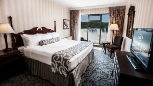 Superior King Fallsview Room